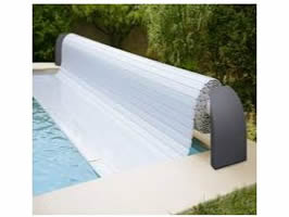 Swimming pool slatted cover